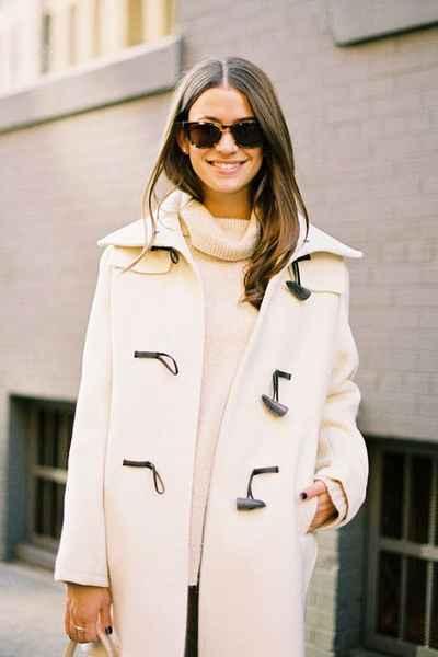 молочное женское пальто осень весна